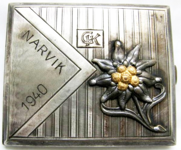 "WH/Jägers, Pitillera en Plata ""800"", Narvik 1940 con Dedicatoria"